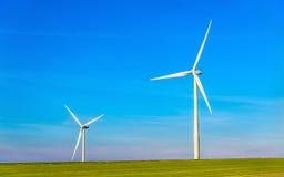Windkraftanlagen auf einem Gebiet - Frankreich, Marne Department Lizenzfreie Stockfotos