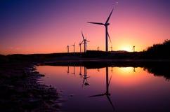 Windkraftanlagen an einem Windpark Stockfoto
