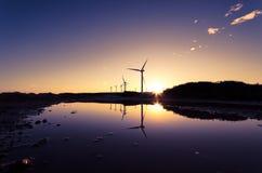 Windkraftanlagen an einem Windpark Stockfotos