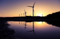 Windkraftanlagen an einem Windpark Stockfotografie