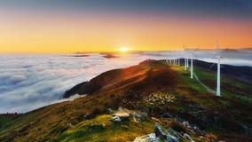 Windkraftanlagen in eolic Park Oiz Lizenzfreies Stockbild