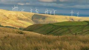 Windkraftanlagen in Wales, Großbritannien Stockfoto