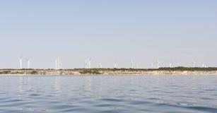 Windlandbouwbedrijf op een klip Royalty-vrije Stock Afbeelding