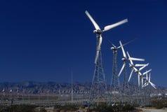 Windleistunggeneratoren lizenzfreie stockfotos