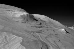 Windlines i snön arkivfoto