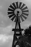 Windmühle auf den Ebenen Stockbild