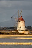 Windmühle bei Marsala Lizenzfreie Stockfotografie