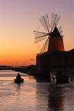 Windmühle bei Marsala Stockfotos