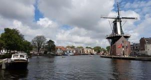 Windmühle De Adriaan in Haarlem Lizenzfreie Stockfotografie