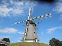 Windmühle in den Niederlanden lizenzfreie stockfotos