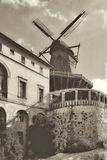 Windmühle - historische Architektur Lizenzfreie Stockfotos
