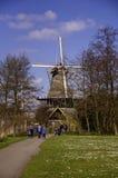 Windmühle im Kralingse-Bospark Stockfoto