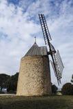 Windmühle im Süden von Frankreich Lizenzfreie Stockfotografie