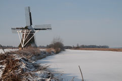 Windmühle im Winter Stockfoto