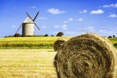 Windmühle in Pontorson Stockfotografie