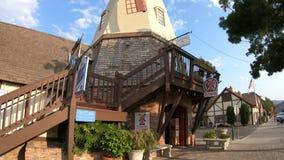 Windmühle in Solvang Kalifornien stock footage