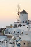 Windmühle am Sonnenuntergang stockbilder