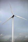 Windmühle, Strom produzierend lizenzfreies stockbild