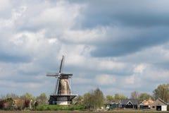 Windmühle in Varik, die Niederlande Stockfoto