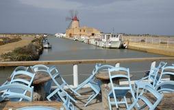 Windmühle von Infarsa-Saline nahe Marsala Lizenzfreies Stockbild