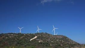 Windmühlen-Bauernhof Grüne Energie stock footage
