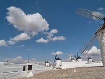 Windmühlen in Campo de Criptana stockfoto