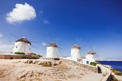 Windmühlen in der berühmten Mykonos-Stadt, die Kykladen, Griechenland lizenzfreie stockfotografie