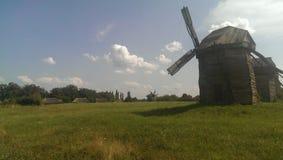 Windmühlen errichtet im Jahrhundert XIIX Stockbilder