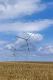 Windmühlen für auswechselbare elektrische Energieerzeugung Lizenzfreie Stockfotografie