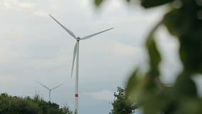 Windmühlen für Electric Power-Produktion stock video footage