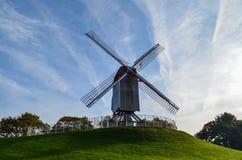 Windmühlen herausgestellt in der Stadt von Brügge in Nord-Belgien lizenzfreies stockbild