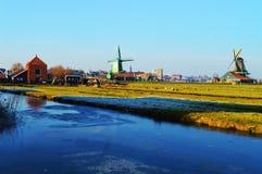 Windmühlen, Holland lizenzfreie stockbilder