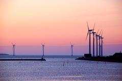 Windmühlen kurz vor dem Sonnenaufgang Lizenzfreie Stockbilder