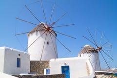 Windmühlen in Mykonos stockfotos
