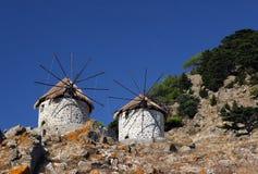 Windmühlen nähern sich Kontias stockfotos