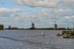 Windmühlen nördlich von bei den Niederlanden Lizenzfreie Stockbilder