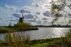 Windmühlen nördlich von bei den Niederlanden Stockbild
