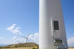 Windmühlen am Sonnenaufgang Lizenzfreie Stockfotografie