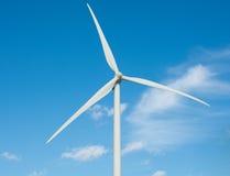 Windmühlen am Sonnenaufgang stockfotografie