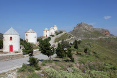 Windmühlen und das Schloss von Leros, Griechenland Stockfotos