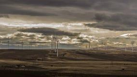Windmühlen und Himmel Stockfotos