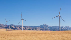 Windmühlen vor Granit-Spitze in Utah Lizenzfreie Stockbilder