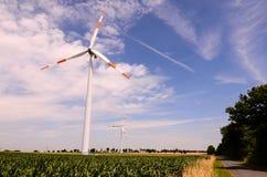 Windmühlen-Windkraftanlage Stockfoto