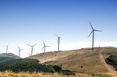 Windmühlenbauernhof im Berg Lizenzfreie Stockbilder