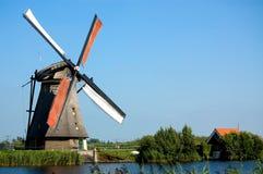 Windmühlenlandschaft lizenzfreie stockfotos