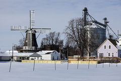 Windmühle in Goldenem, Illinois Stockbild
