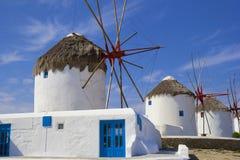 Windmühlen in Mykonos-Stadt, Griechenland Lizenzfreies Stockbild
