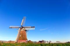 Windmill在冬天下午的de Meervogel 免版税库存照片