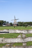 Windmill De Hond dans Paesens-Moddergat, Hollande Photos stock