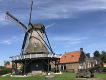 Windmill de kaai in Sloten royalty free stock photography